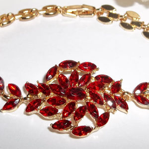 VINTAGE Bracelet Ruby Red Costume Jewelry 4699